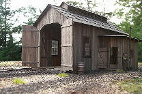 Silver Creek Loco Shed - Echtholzbausatz 1:48