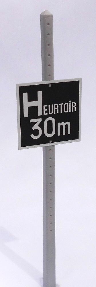 Modulbausatz SNCF Signaltafelpfosten Spur 1 - Kit modulaire Poteaux béton SNCF 1:32